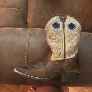 Boys Ariat boots